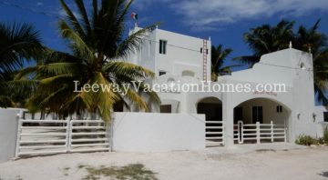 CASTILLONICTEVILLA BEACH VACATION RENTAL. YUCATAN, MEXICO.