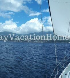 Hunter 44DS sailboat with captain and hostess – Voilier Hunter 44DS avec capitaine et hôtesse