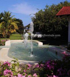Crystal Waters Villas