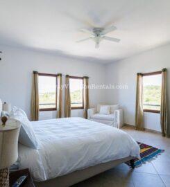Porto Cupecoy – Island Breezes ( 2 bedrooms )